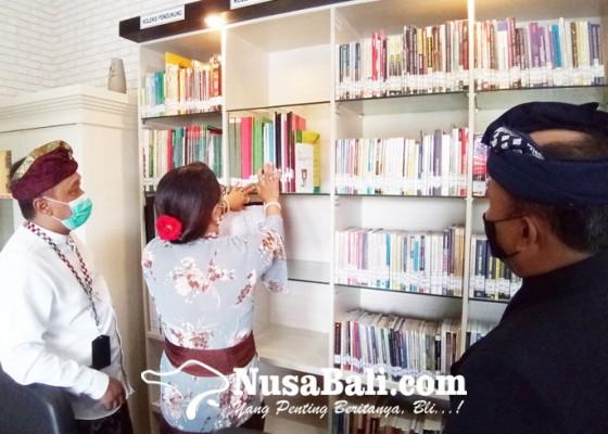 Nusabali.com - perpustakaan-mewah-kejari-denpasar-diresmikan