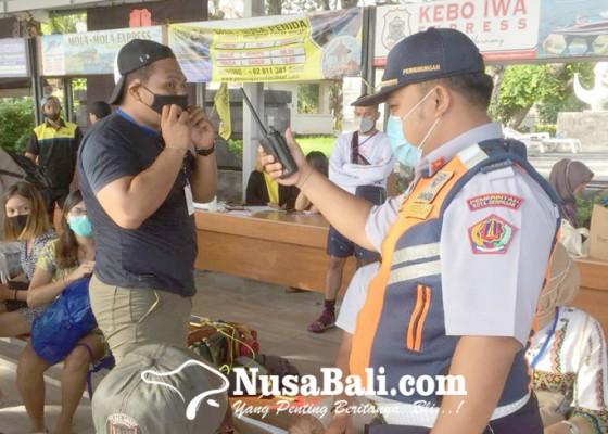 Nusabali.com - penumpang-kapal-cepat-ke-nusa-penida-diingatkan-disiplin-prokes