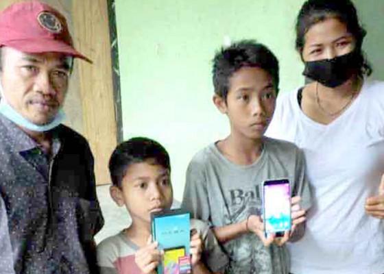 Nusabali.com - dua-anak-yatim-dijanjikan-bantuan-bedah-rumah