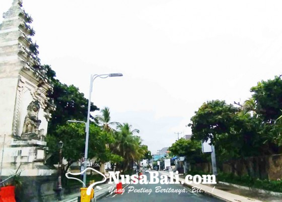 Nusabali.com - dua-hari-dilarang-parkir-di-jalan-pantai-kuta