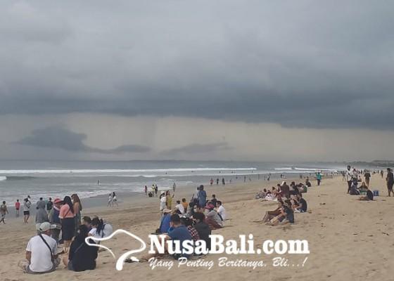 Nusabali.com - malam-tahun-baru-di-bali-diperkirakan-hujan-ringan