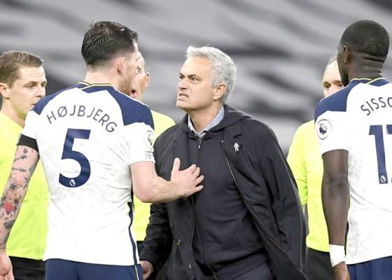 Nusabali.com - mourinho-kehilangan-kendali