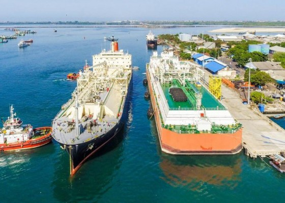 Nusabali.com - terapkan-green-energy-terminal-lng-benoa-dukung-ketahanan-kelistrikan-bali