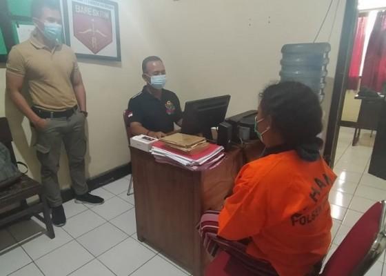 Nusabali.com - polisi-tangkap-ibu-maling-hp