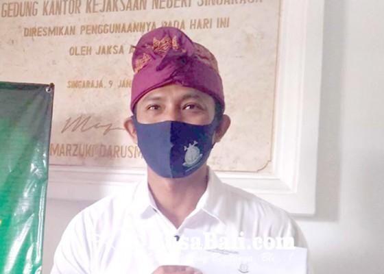 Nusabali.com - kejari-buleleng-serahkan-kasus-dana-bsu-kalibukbuk-ke-inspektorat