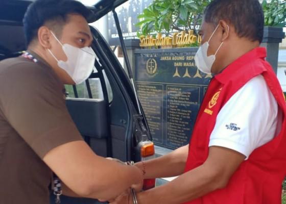 Nusabali.com - eks-kepala-pasar-kumbasari-ditahan