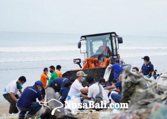 Nusabali.com - empat-hari-dinas-lhk-bersihkan-480-ton-sampah-kiriman
