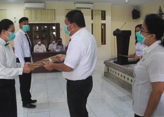 Nusabali.com - jangan-pindah-sebelum-bertugas-10-tahun
