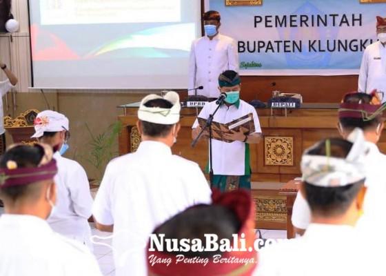 Nusabali.com - lantik-21-pejabat-bupati-suwirta-minta-tanamkan-konsep-pesaja