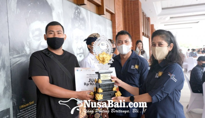 www.nusabali.com-st-putra-kencana-banjar-dauh-tangkluk-juarai-pilem-mebarung