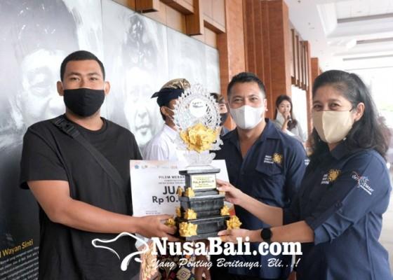 Nusabali.com - st-putra-kencana-banjar-dauh-tangkluk-juarai-pilem-mebarung