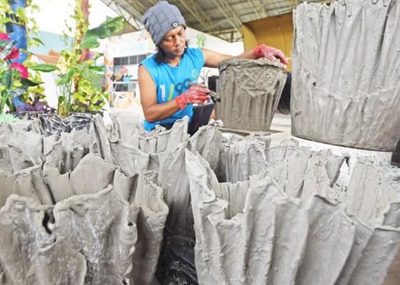 Nusabali.com - pembuatan-pot-berbahan-limbah-kain