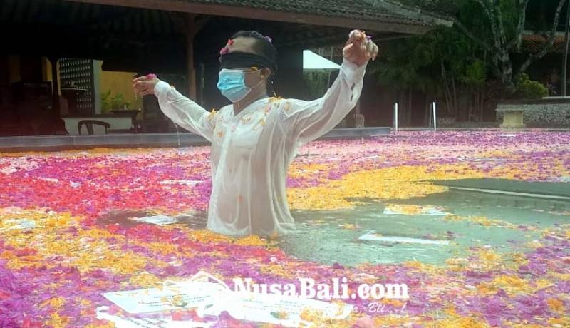 www.nusabali.com-belajar-kearifan-lokal-melalui-blind-in-paradise