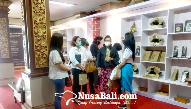 www.nusabali.com-putri-koster-ajak-bersinergi-dengan-pemprov-bali-tangani-pandemi-covid-19