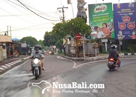 Nusabali.com - pasar-sengol-ditutup-pukul-2100-wita