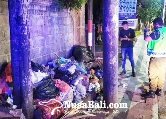 Nusabali.com - lpm-legian-sesalkan-masih-ada-warga-buang-sampah-sembarangan