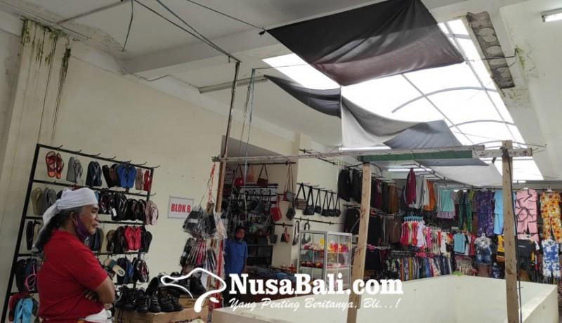 www.nusabali.com-pasar-loka-crana-bocor-plafon-jebol