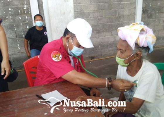 Nusabali.com - hut-pdip-ke-48-bmi-buleleng-baksoskes-di-banjar-asem