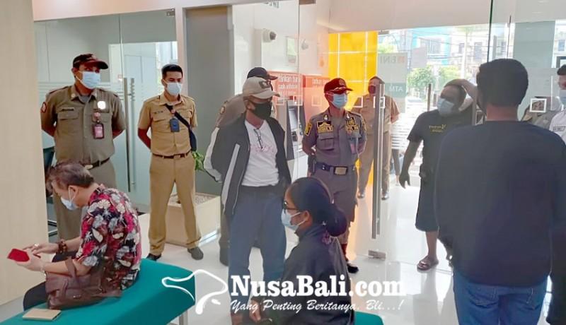 www.nusabali.com-petugas-gabungan-sidak-tempat-usaha