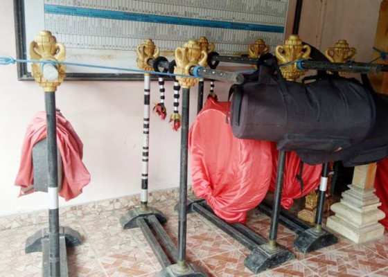 Nusabali.com - giliran-gong-kempur-banjar-tangkup-raib