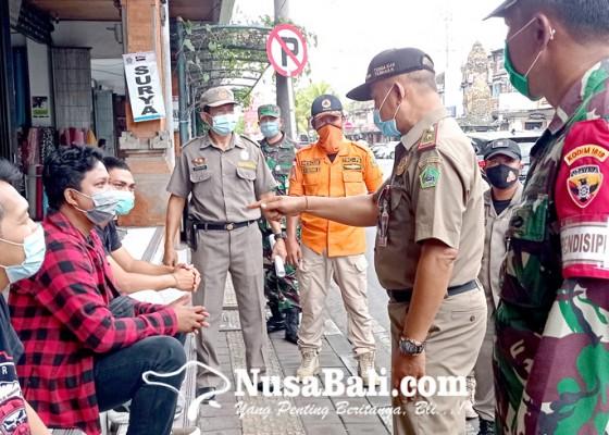 Nusabali.com - 200-petugas-disiplinkan-ppkm-di-tabanan