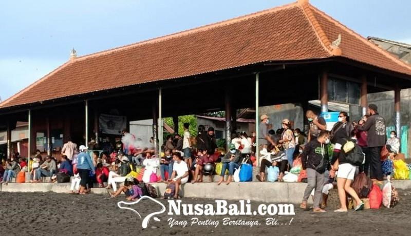 www.nusabali.com-penumpang-ke-nusa-penida-membeludak