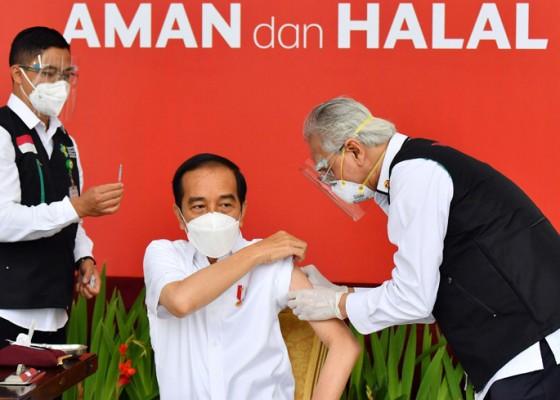 Nusabali.com - suartanu-wakili-tokoh-hindu-vaksinasi-bersama-presiden