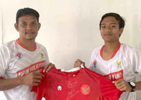 Nusabali.com - siswa-sman-1-amlapura-jadi-juara-juggling-nasional