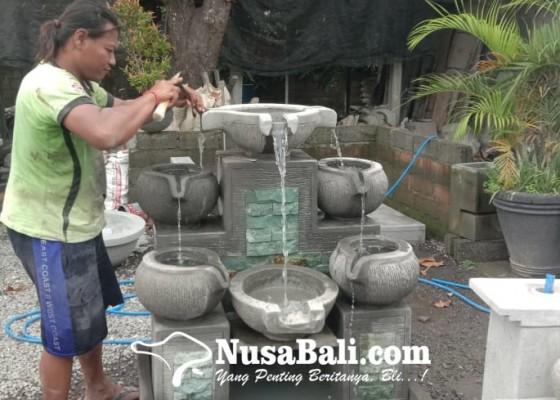 Nusabali.com - pembuat-wadah-air-mancur-masih-mujur