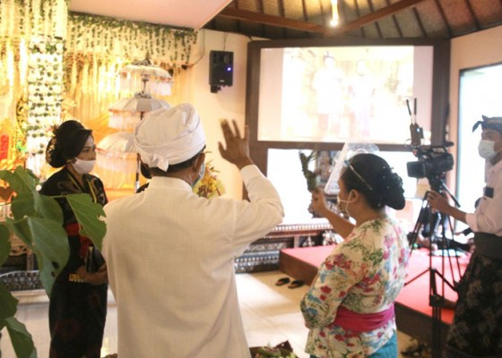 Nusabali.com - tpb-beng-gelar-pernikahan-virtual