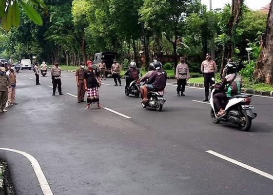 Nusabali.com - denpasar-berlakukan-ppkm-kelurahandesa-hingga-18-februari-2021