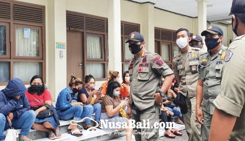 www.nusabali.com-mangkal-siang-bolong-di-lumintang-18-psk-diangkut-satpol-pp