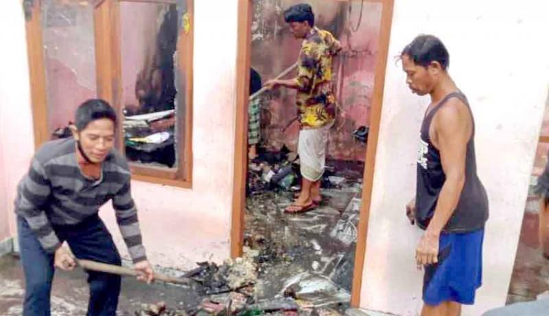 www.nusabali.com-rumah-orang-tua-ketua-bk-dprd-karangasem-terbakar