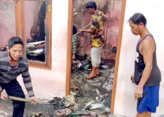 Nusabali.com - rumah-orang-tua-ketua-bk-dprd-karangasem-terbakar