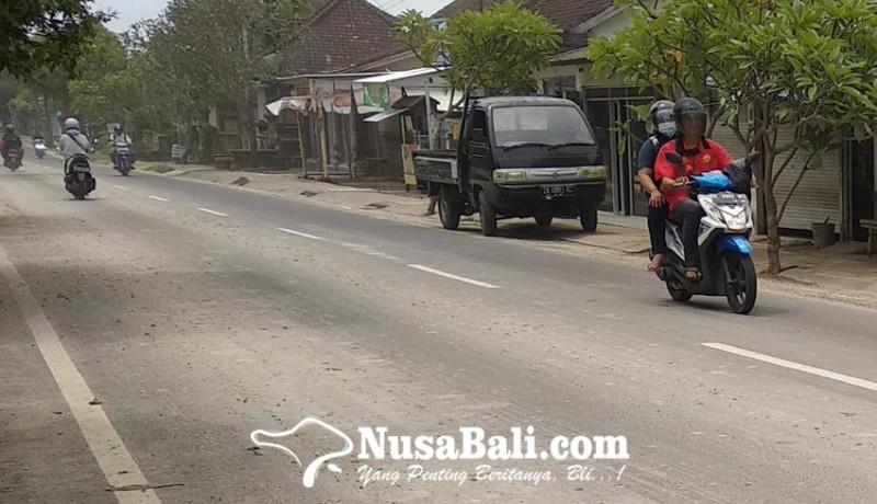 www.nusabali.com-warga-keluhkan-tumpahan-tanah-proyek