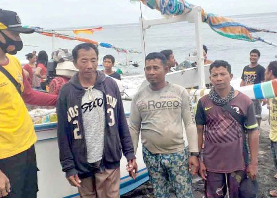 Nusabali.com - nelayan-desa-bunutan-terdampar-di-lombok-utara