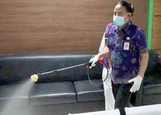 Nusabali.com - penyemprotan-disinfektan-serentak-di-karangasem