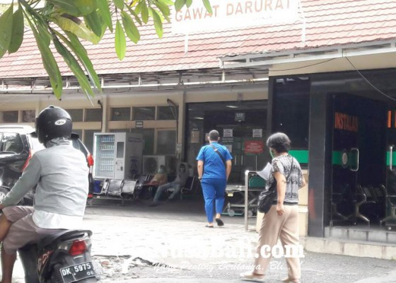 Nusabali.com - igd-rsud-wangaya-terisi-pasien-covid-19-pasien-nondarurat-diarahkan-ke-rs-lain