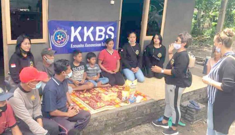 www.nusabali.com-yayasan-kbbs-serahkan-rumah-untuk-kakak-adik-yatim