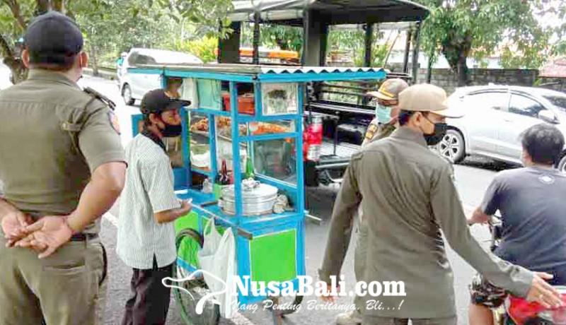 www.nusabali.com-satpol-pp-tertibkan-9-pedagang