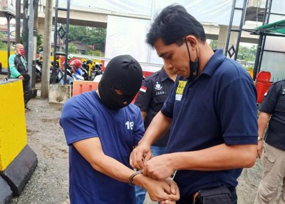 Nusabali.com - pelaku-pamerkan-alat-vital-di-depan-istri-isa-bajaj-ditangkap