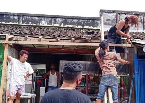 Nusabali.com - angin-puting-beliung-terjang-pasar-tradisional-lempuyang