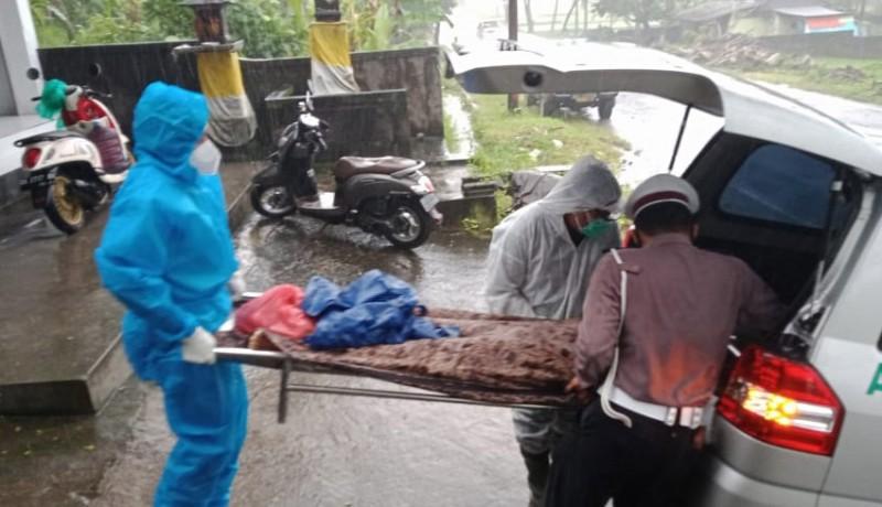 www.nusabali.com-tabrak-pantat-bus-wanita-tewas-di-tkp