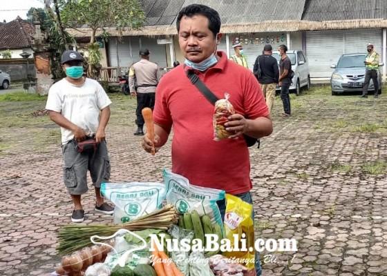 Nusabali.com - komunitas-artis-salurkan-paket-sembako
