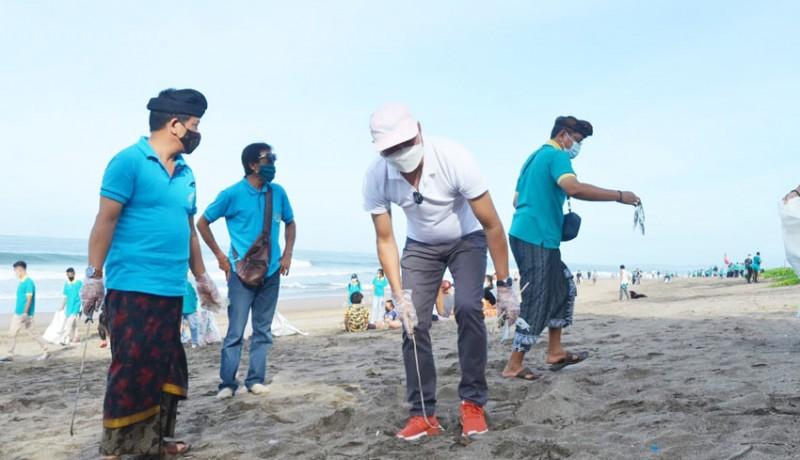 www.nusabali.com-wabup-suiasa-pimpin-aksi-bersih-bersih-di-pantai-petitenget
