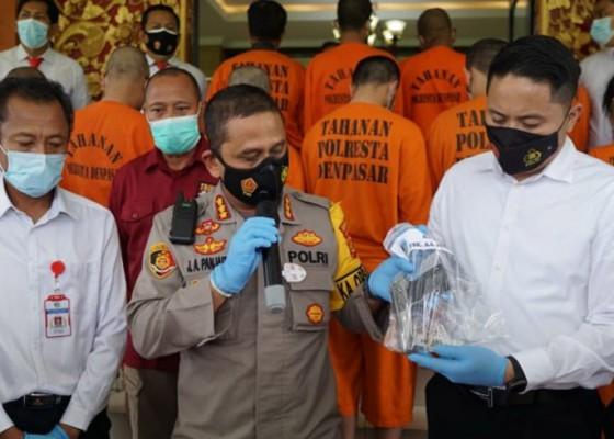 Nusabali.com - polresta-denpasar-amankan-purnawirawan-simpan-senjata-api-ilegal