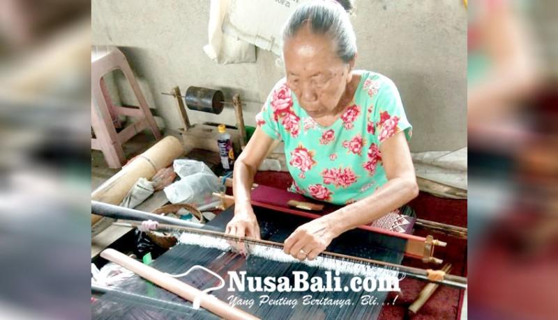 www.nusabali.com-kerajinan-tenun-tetap-bertahan