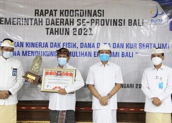 Nusabali.com - berperan-tangani-dampak-pandemi-covid-19-bank-penyalur-stimulus-diganjar-penghargaan