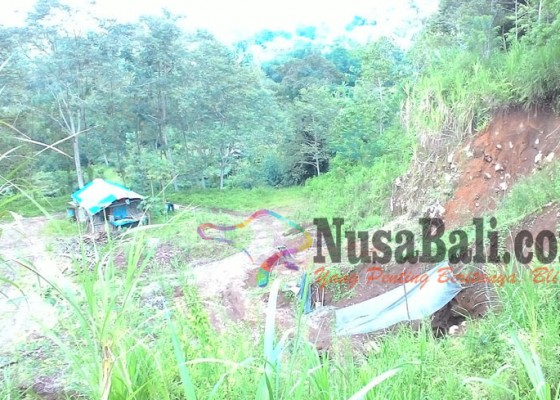 Nusabali.com - lahan-pertanian-di-desa-bangli-terancam-longsor