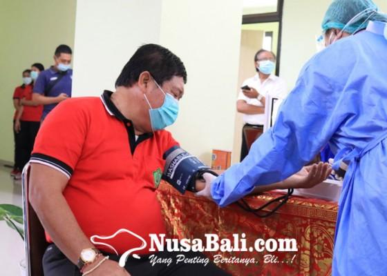 Nusabali.com - bupati-artha-gagal-lolos-vaksinasi-covid-19